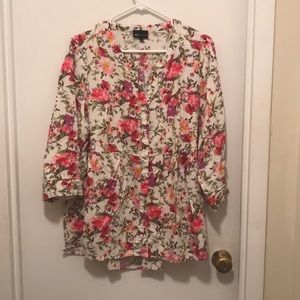 JNY flowered baby doll style button down blouse